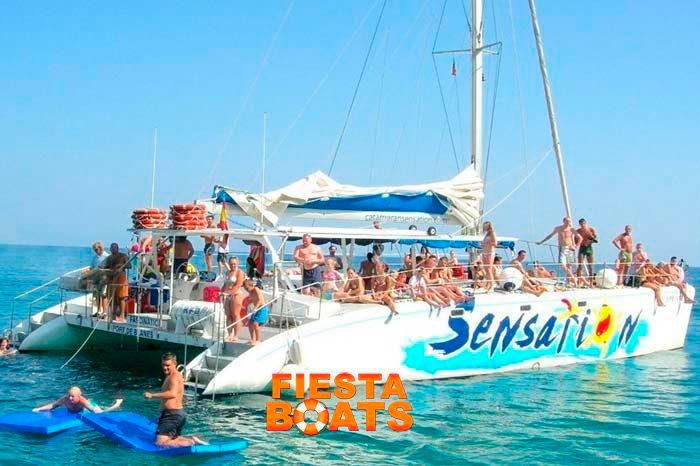 fiesta barco Barcelona
