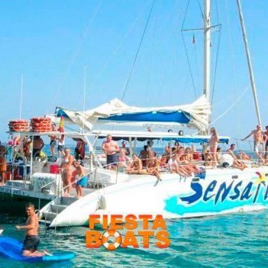 Fiestas en barco en el Port Olimpic de Barcelona